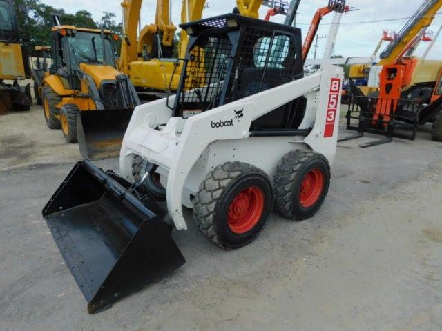 Inchiriere Bobcat 753 de 2,2 tone