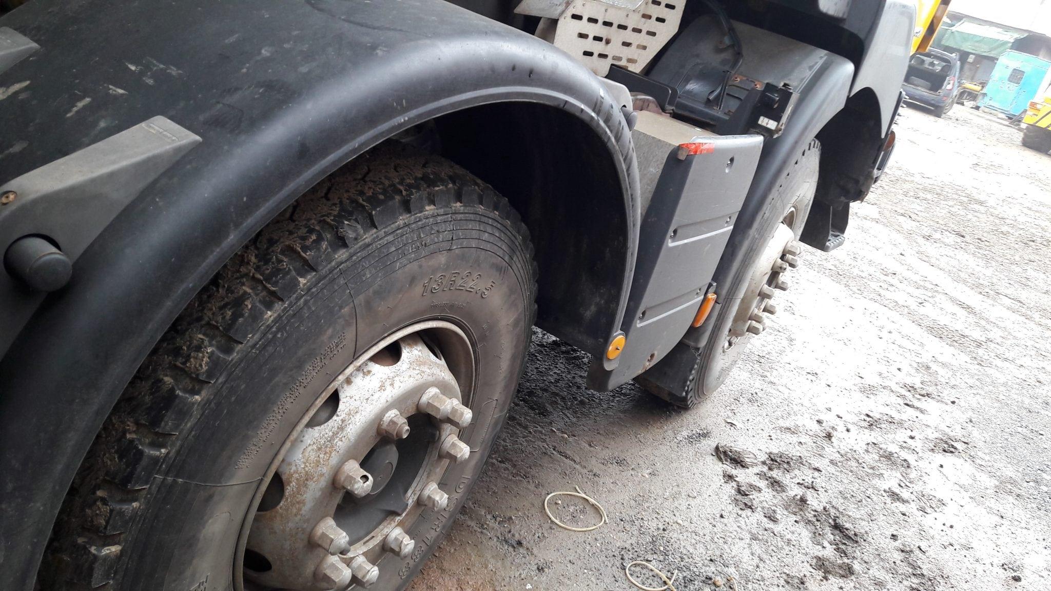 De vanzare Autobasculante Renault Kerax 32 t