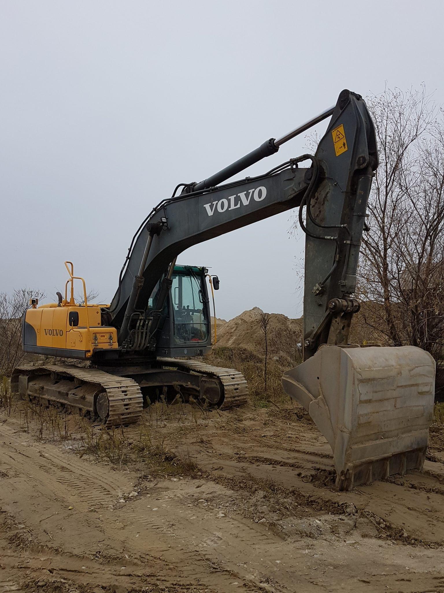 Inchiriez excavator pe senile VOLVO EC210Cl