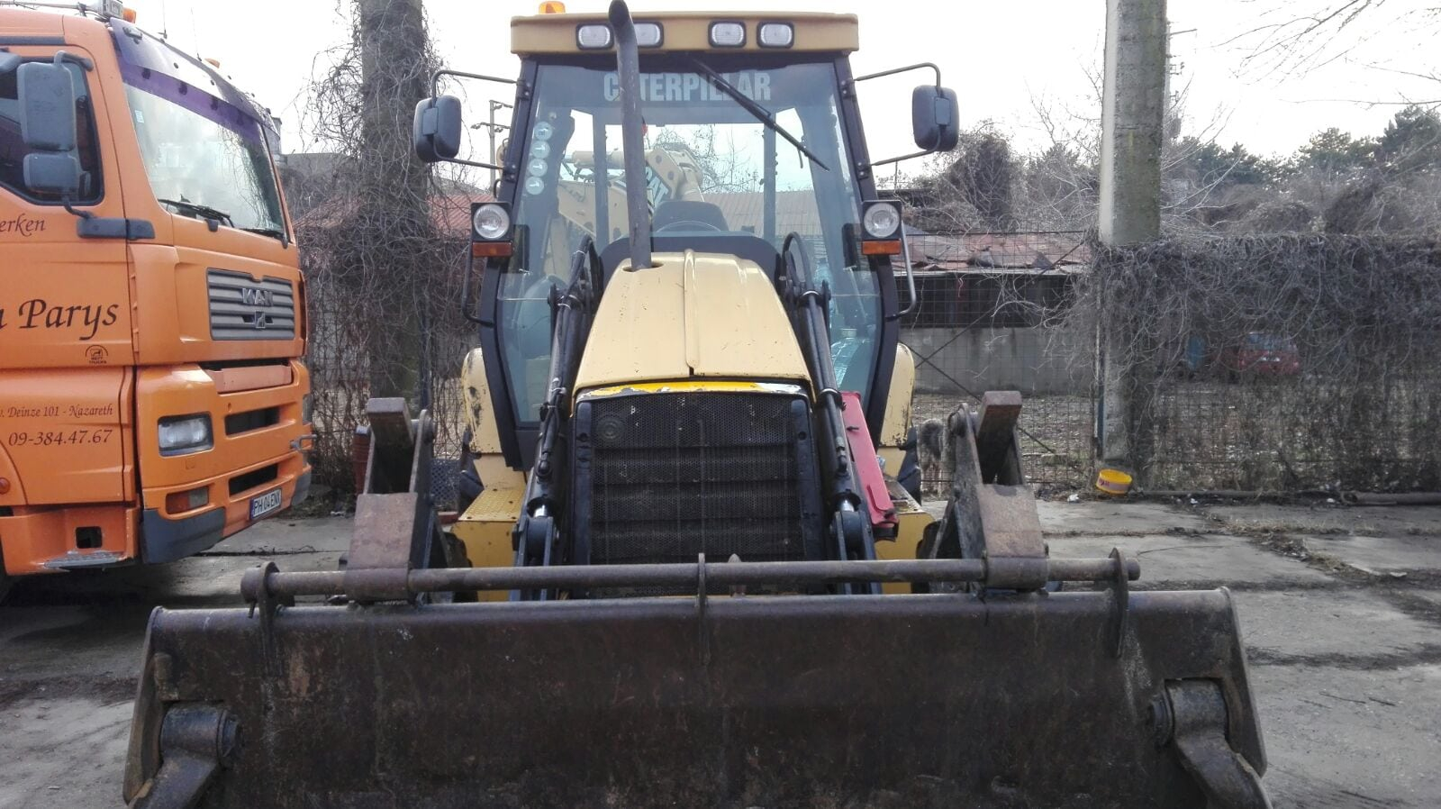 Inchiriez buldoexcavator Cat 432