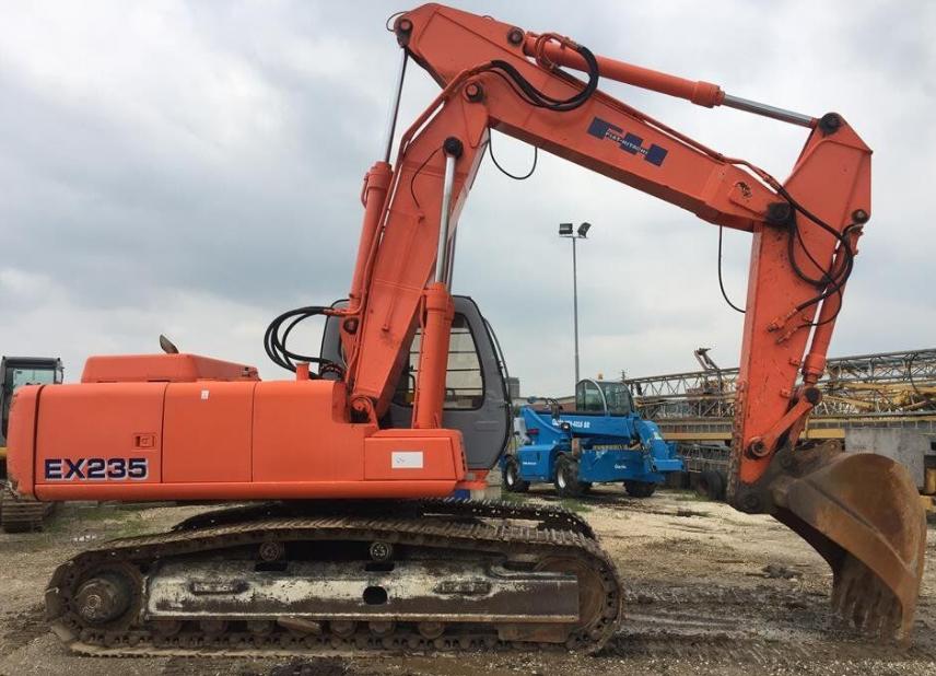 Excavator pe şenile FIAT-HITACHI EX 235