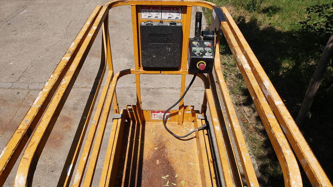Nacela foarfeca electrica Haulotte Compact 8 Nr. 023